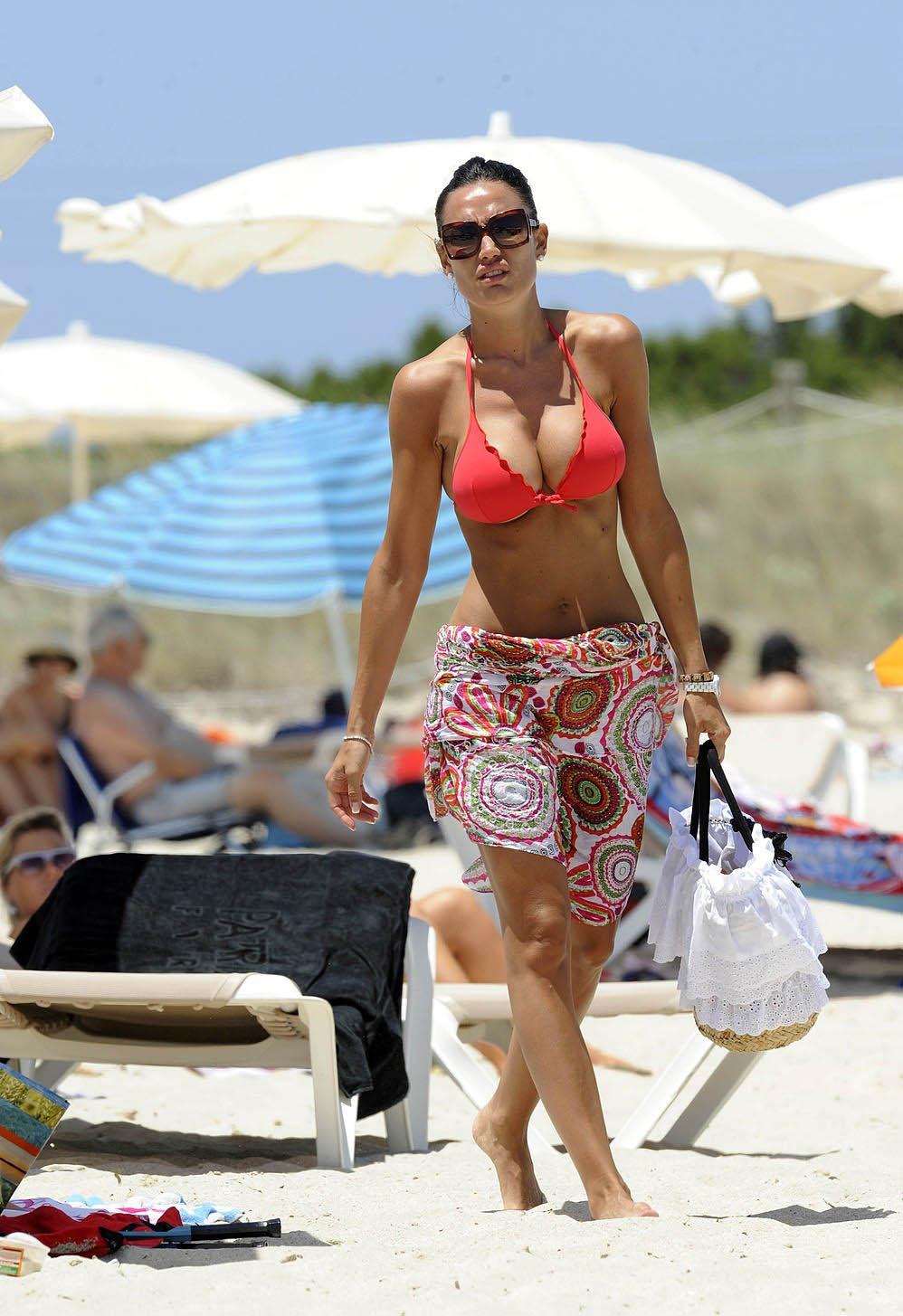 Nicole Minetti Hot Bikini Pics  Hot Actress Sexy Pics-1044
