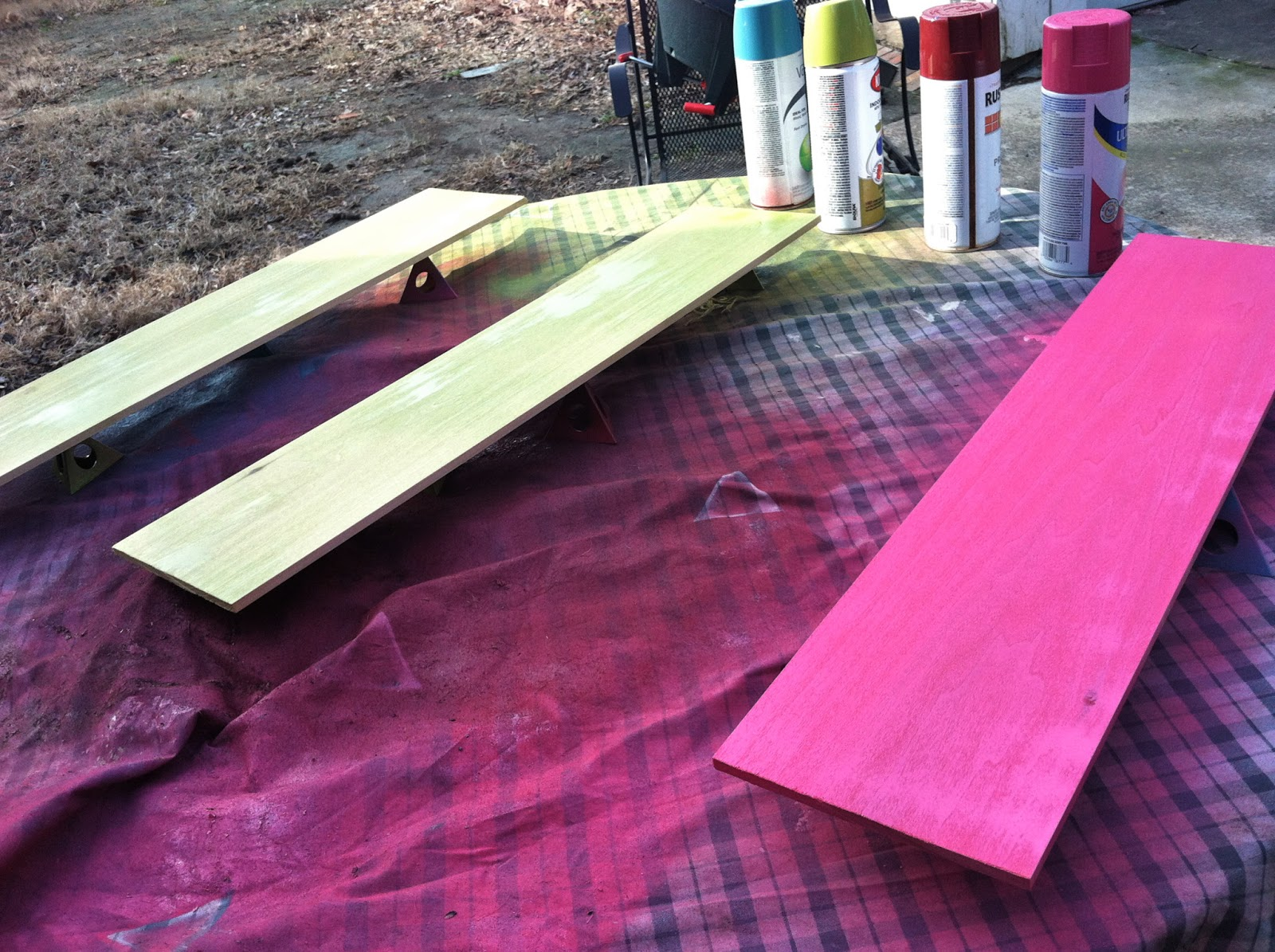 Makin' it in Memphis: {Craft This}: Spray Paint Brands