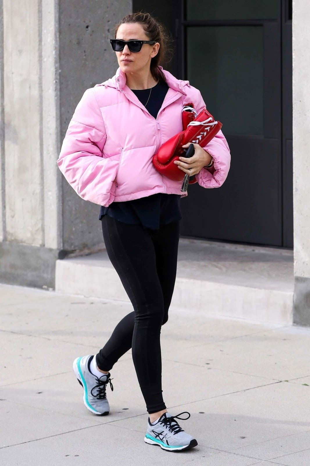 Jennifer Garner – Arriving at Her Boxing Class in Brentwood - 03/11/2019