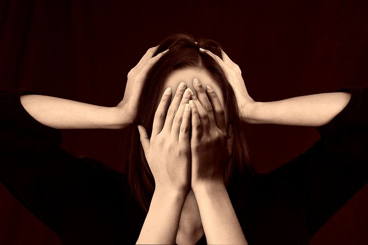 Mengenali 8 Penyebab Sakit Kepala Berlanjut atau Kronis