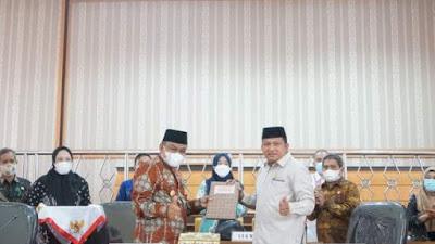 Bupati Bone Serahkan Ranperda Perubahan RPJMD 2018-2023 ke DPRD