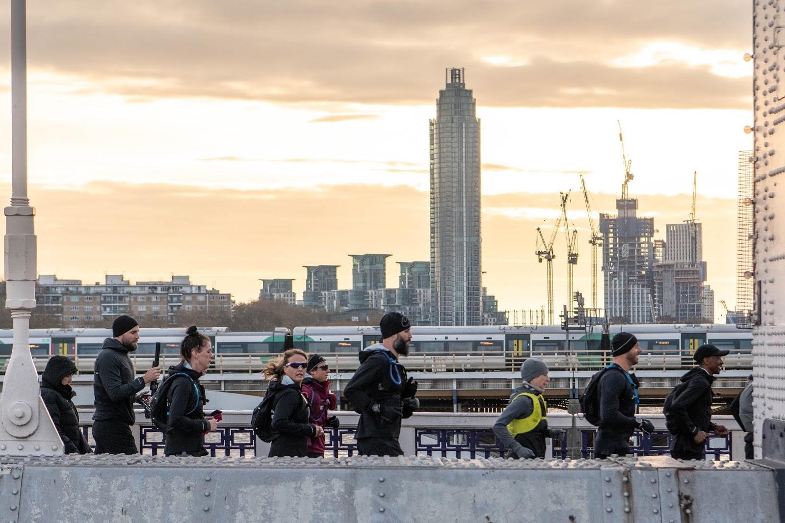 London 2 Paris - Asics FrontRunner