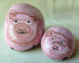 pigs, pink, painted rocks, critters