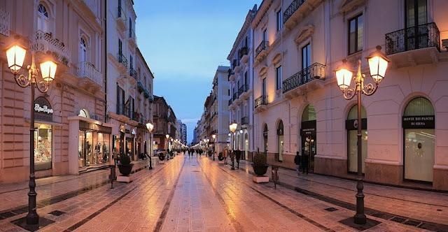 Via d'Aquino em Taranto