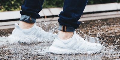 sepatu adidas boost keren murah