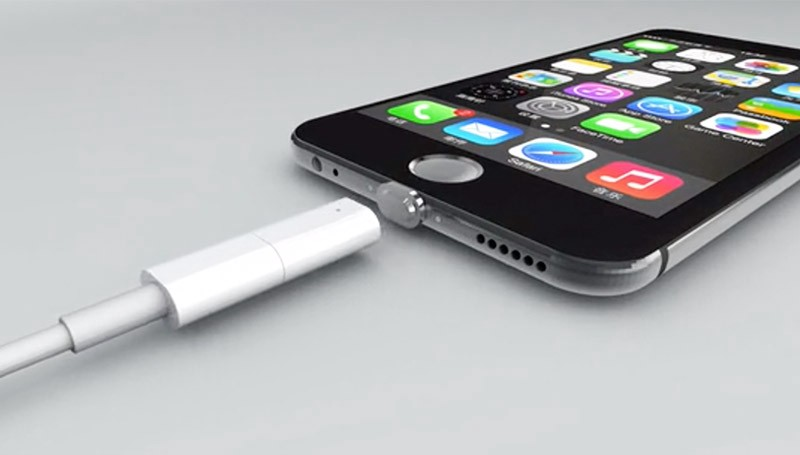 iPhone 2021 to be the first Portless iPhone? - Qasim Tricks