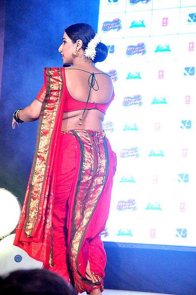 Hot Sexy Girls In Saree
