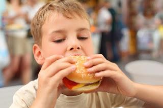 ما الأطعمة التي تؤمما الأطعمة التي تؤمن حاجات الطفل من الحديد؟