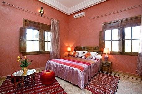 Dormitorios matrimoniales rosa colores en casa for Dormitorio oscuro decoracion