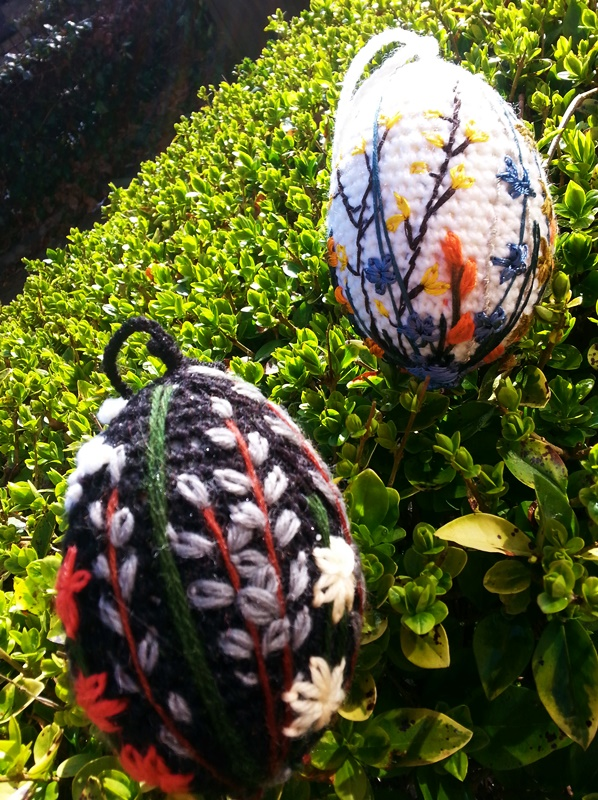 easter embroidery eggs