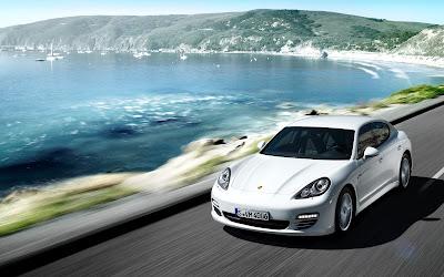 2017 Porsche Panamera top view