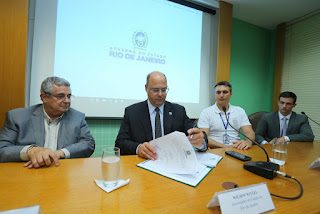 PL Assinatura do convenio entre a FERJ e Educação