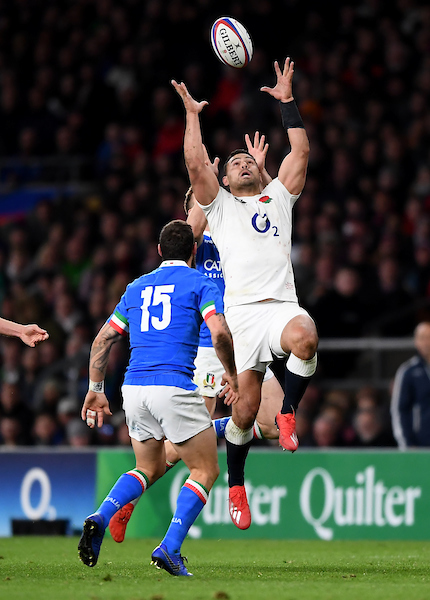 Ben Teo of England competes for high ball against Italy