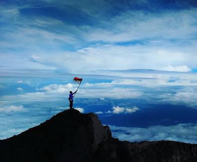 foto indahnya puncak gunung kerinci