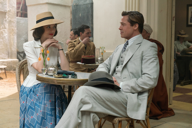 Allied (Alliés) photo of Brad Pitt and Marion Cotillard