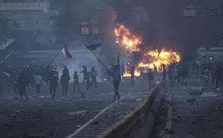 Aksi Demonstrasi Penolakan Omnibus Law Diwarnai Ledakan, Mahasiswa: Revolusi..!!!