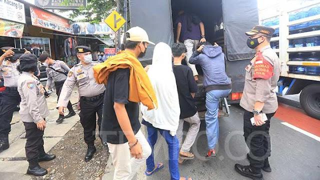 Polisi Amankan 21 Orang yang Hendak Mendoakan Habib Rizieq di PN Jakarta Timur