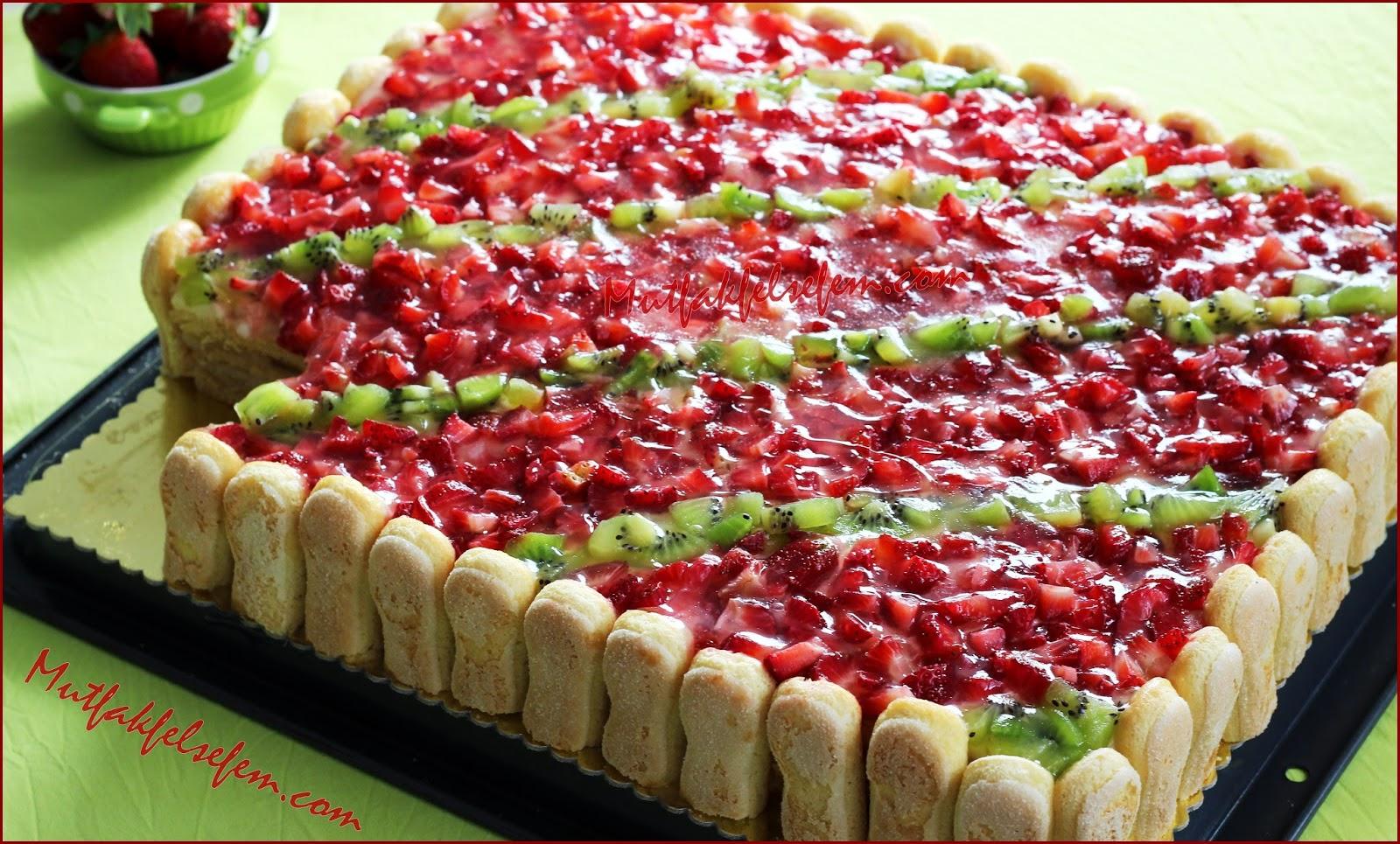 Çilekli Kolay Pasta Tarifi