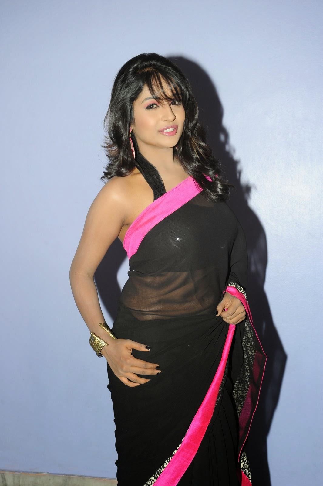 Isha Ranganath glam pics in saree-HQ-Photo-10