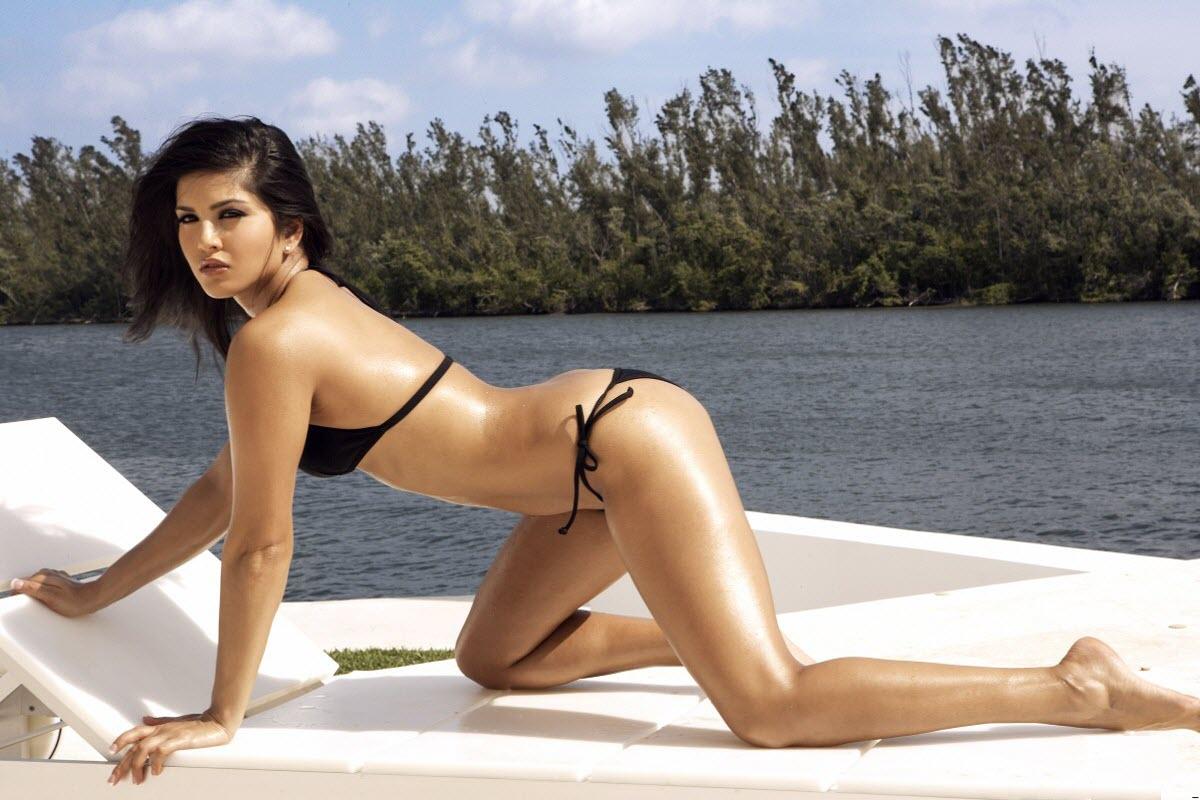 Sunny leone in bikini tell