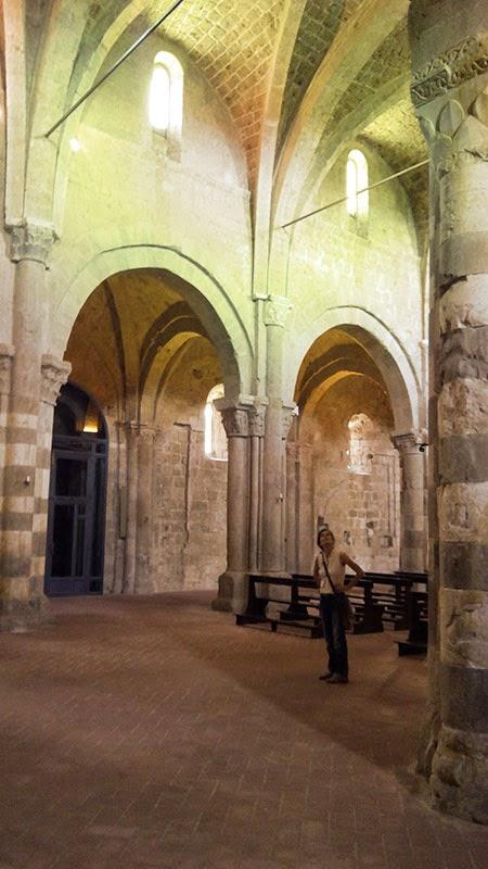 Nave central  da Catedral de Sovana