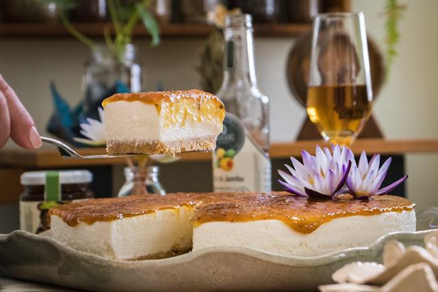 Cheesecake de Queijo Boursin com Geleia de Vitória-Régia