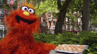 Murray counts 12 kids and a dozen eggs, Sesame Street Episode 4402 Don't Get Pushy season 44
