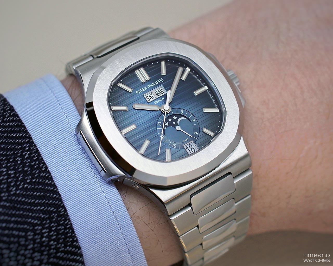 Patek Philippe Nautilus 5726 1a Annual Calendar Time And Watches