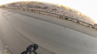 Olha La Paz lá em baixo.