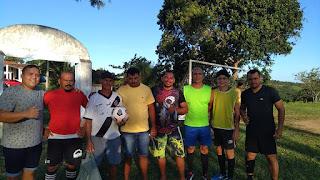 Diretoria de Esportes realiza a entrega de bolas para donos de clubes em Pilõezinhos