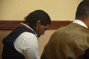 Omega deja de firmar libro de control en tribunal y ahora le suman dos meses más