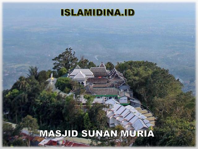 masjid sunan muria dengan ornamen tiongkok