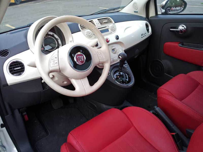 Fiat 500 Lounge Red Interior