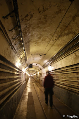 Una delle immense gallerie del Forte di Schoenenbourg
