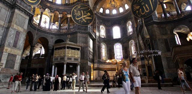 Το Πατριαρχείο Μόσχας, η Αγία Σοφία κι η αποτυχημένη θρησκευτική μας διπλωματία