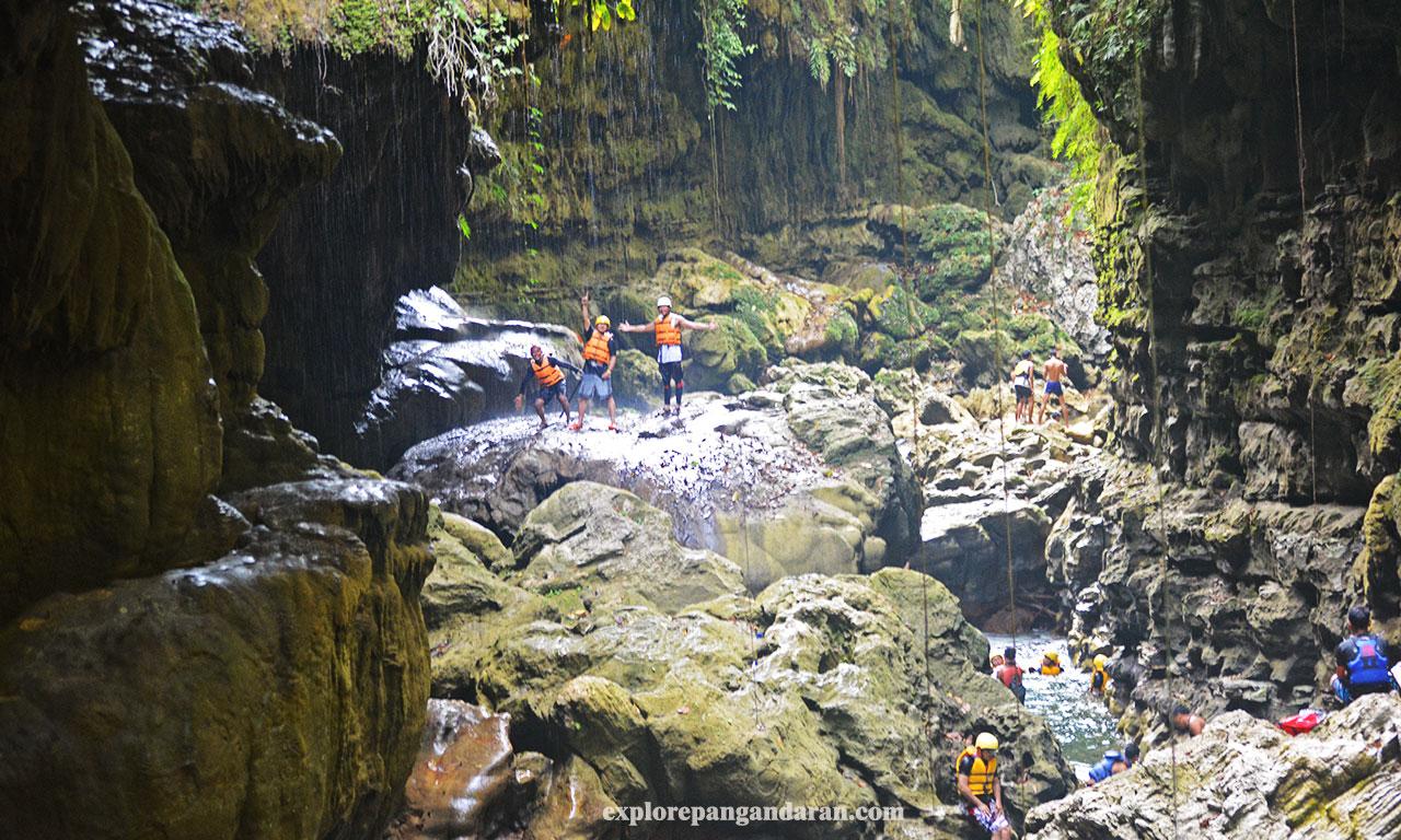 aktivitas body rafting green canyon Pangandaran
