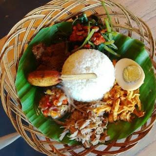 Makanan Nasi Campur Khas Bali