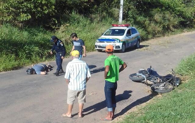 Homem morre após bater moto em barranco em Ji-Paraná