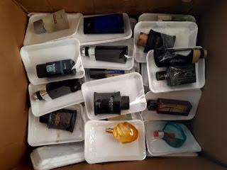 """Polícia Civil apreende produtos falsos da Perfumaria """"O Boticário e Natura"""" que estavam sendo comercializados em Cuité"""