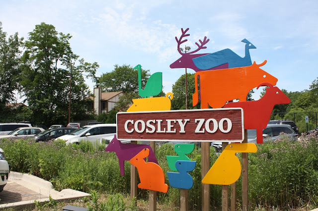 Cosley Zoo sign in Wheaton, IL