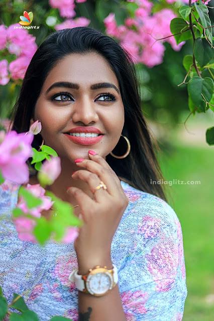 Shalu Shamu Latest Photos Near Pink Flower Tree Actress Trend