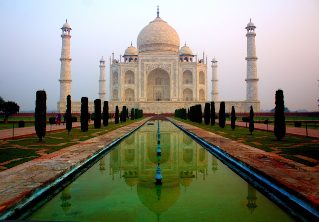 THE DEEPEST SECRETS   OF TAJ MAHAL THAT WILL SURPRISE YOU