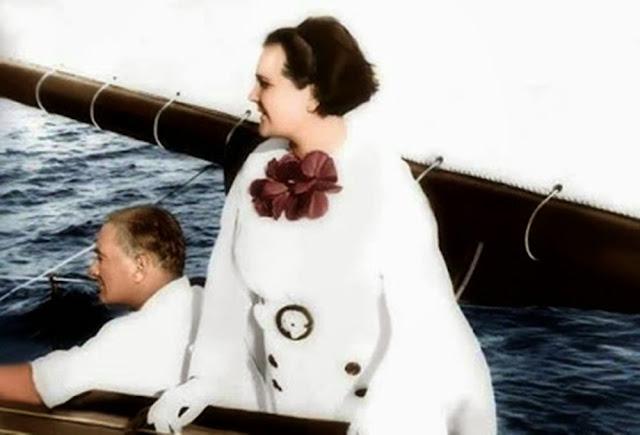 Atatürk ve Manevi Kızı Afet İnan
