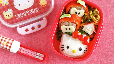 This video will show you how to make Hello Kitty bento (lunch box) - Apple Farm decoration ;)