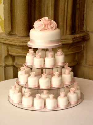 muffin esküvői torta Random thoughts by me: Esküvői inspirációk IV.   A torta muffin esküvői torta