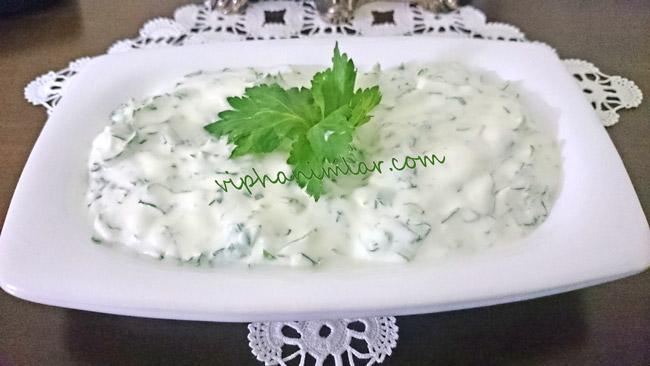 Yoğurtlu Kereviz Yaprağı