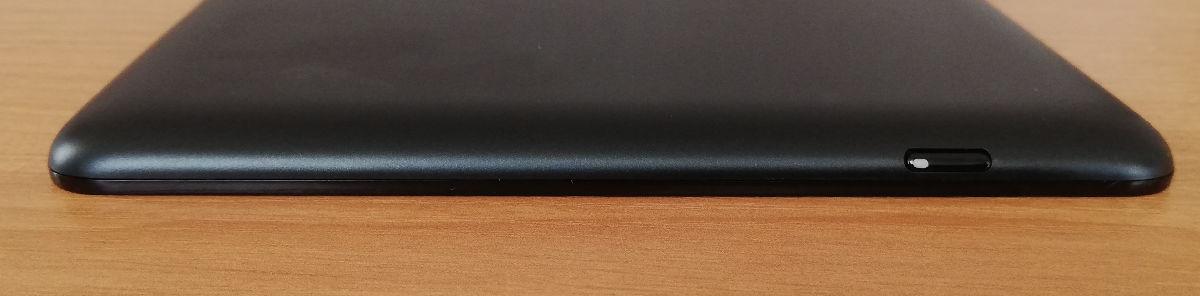 Górna krawędź obudowy Onyx Boox Nova 2 z włącznikiem