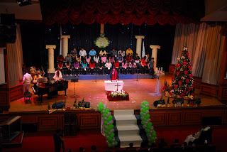 Dekorasi Panggung Natal Sederhana