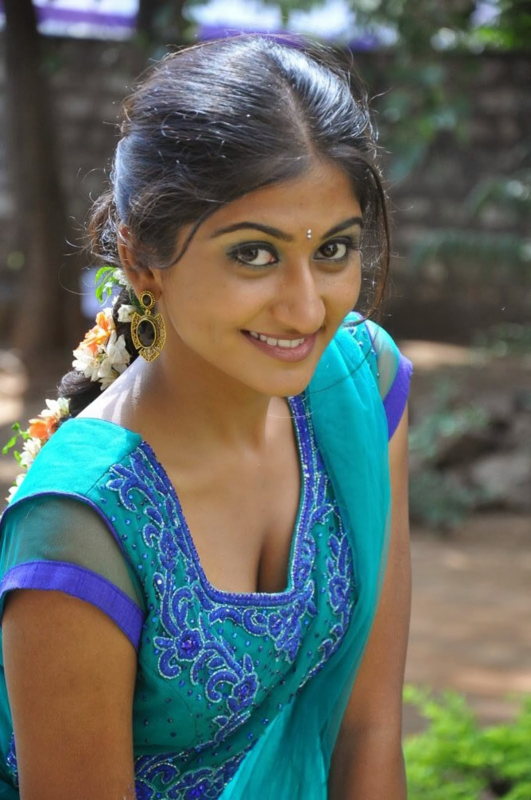 Actress Akshaya Sexy Cleavage Photos-1195