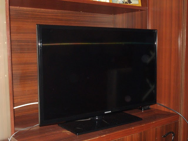 Samsung UE32EH6030 3D LED TV specs and review